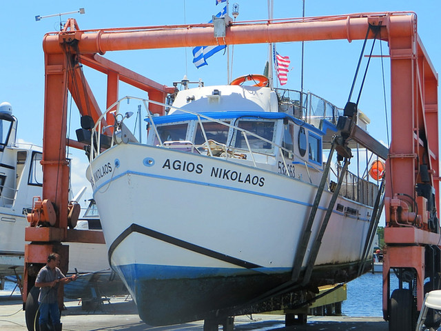 We service both personal and commercial vessels of all shapes and sizes! Call us today for your free quote (352)573-0177