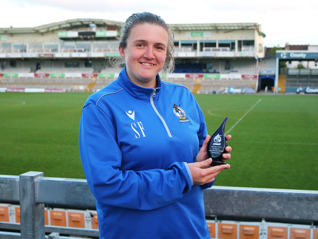 Shannon Francis presented with the 2019/20 Development Team Player of the Season