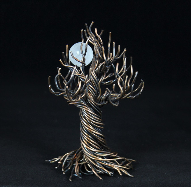 Wire Tree of life with quartz