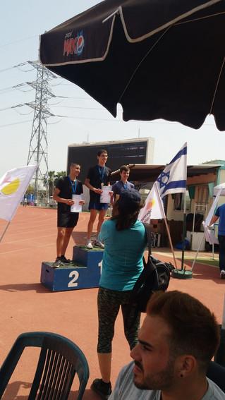 מקום ראשון בריצת 800 מטר