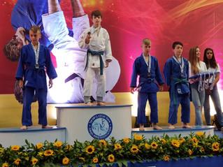 נועם פישמן מכיתה ז'4 זכה באליפות ישראל בג'ודו