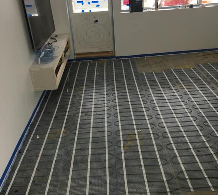 støping av gulv med varmekabler