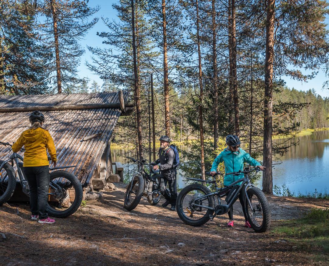 Hiking & biking in South Lapland