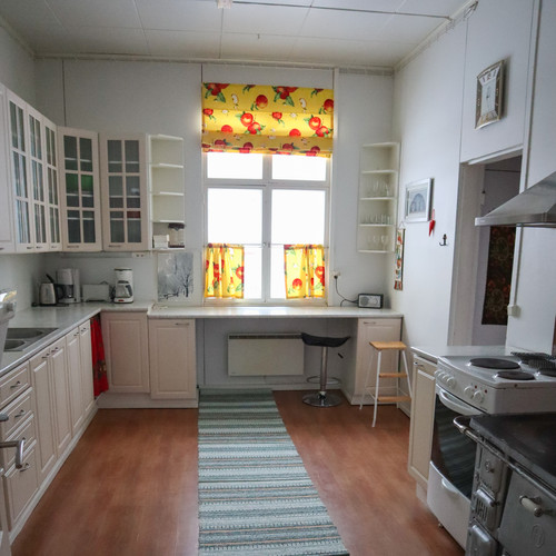 Holiday House kitchen