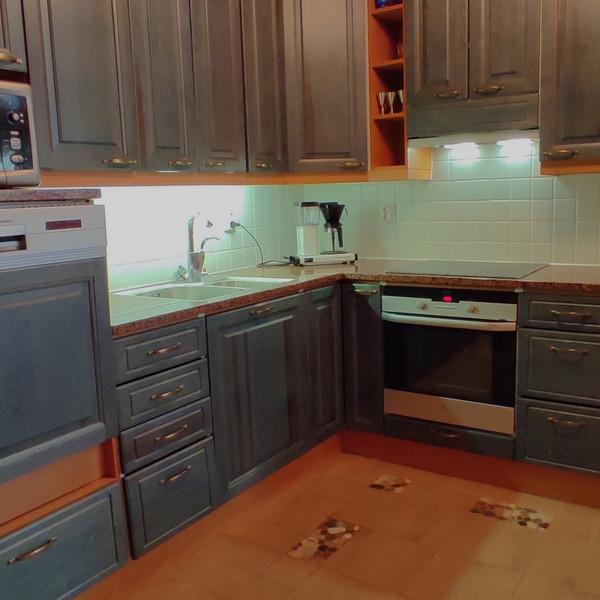 Taigalampi kitchen