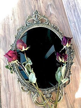 scrying mirror.jpg