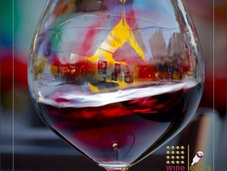 Degustando um vinho