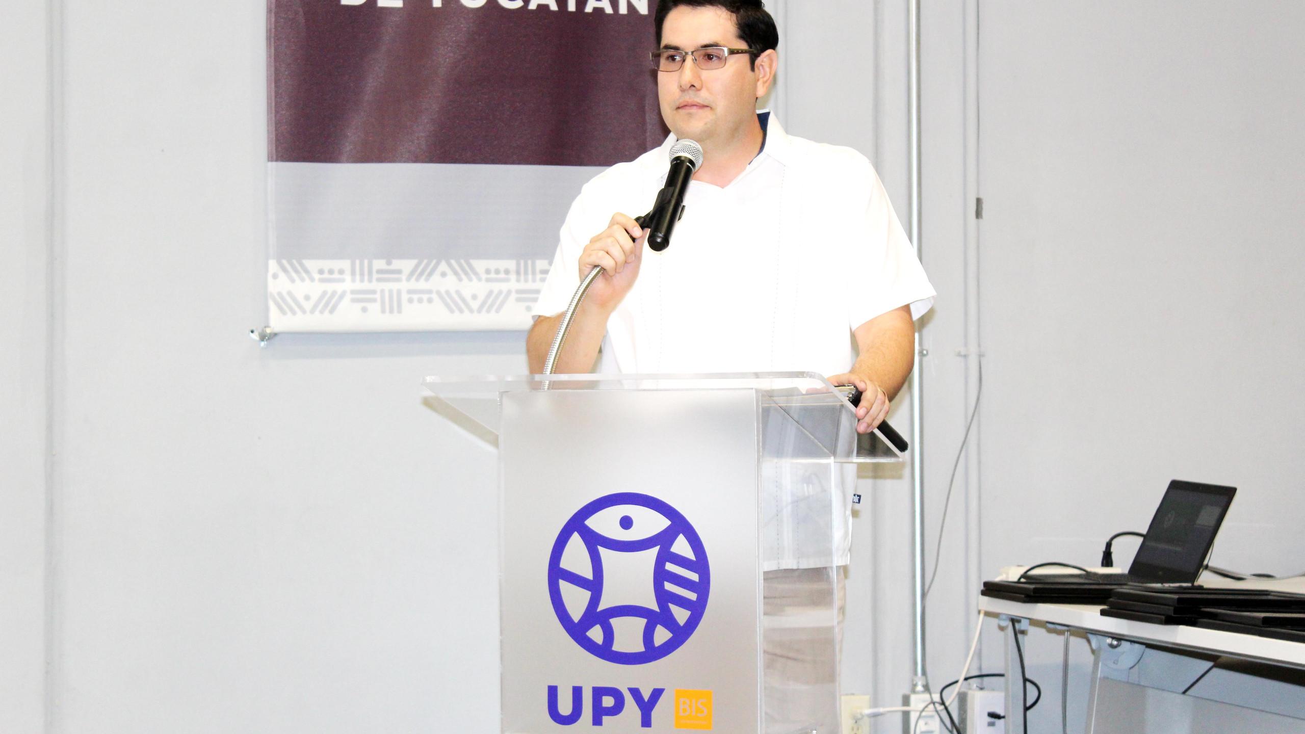 Dr. Eduardo Espadas Aldana, Secretario Académico
