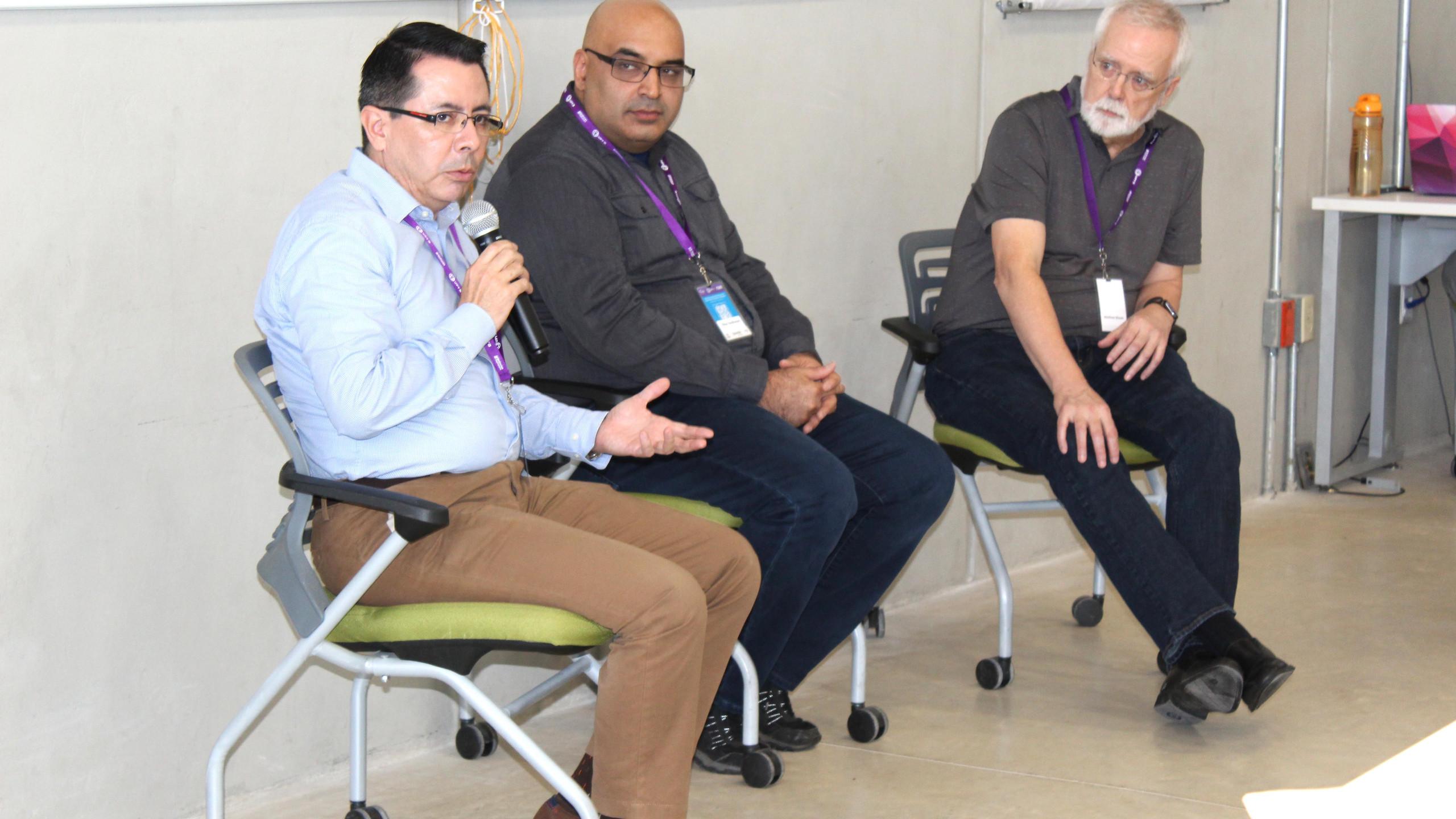 Dr. Gildardo Sánchez Ante, Dr. Vikas Sindhwani y Matt Mason
