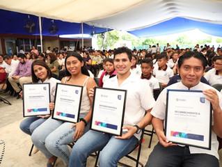 Estudiantes de la UPY se suman a la Estrategia para Prevenir el Embarazo entre Adolescentes en Yucat