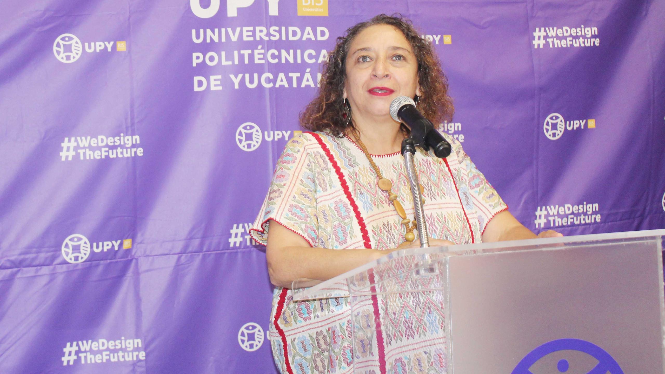 Mtra. María Herrera Páramo, titular de la Secretaría de las Mujeres