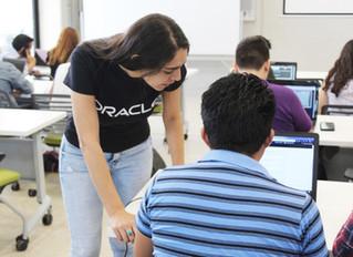 1200 mexicanos forman parte de Oracle en México, y llegaron a la UPY en busca de nuevos talentos