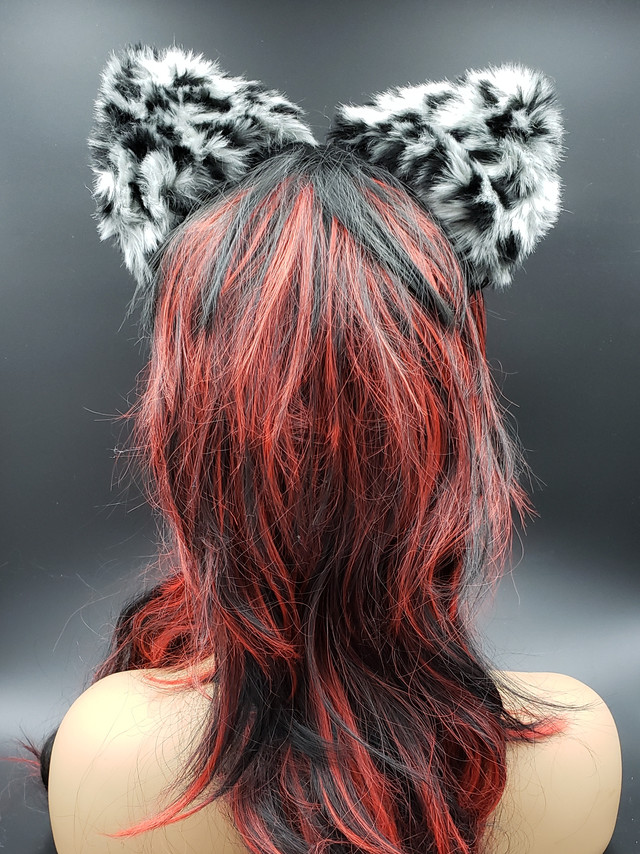 Snow leopard cat ears