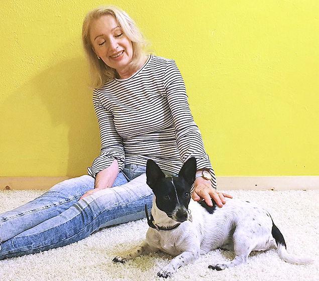 Susanne ret mit Hund_edited_edited_edite