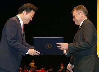 Recibe el Dr. Antonio Doménech la Orden del Mérito Cultural Coreano