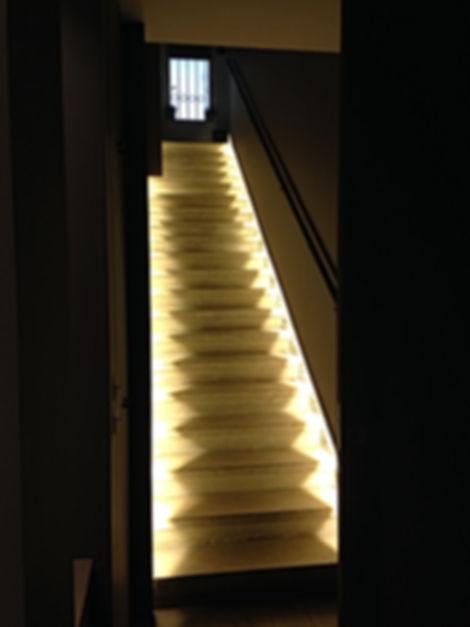 Escaliers Luminueux par DME batiment, Entreprise générale de rénovation Lyon, entreprise générale Lyon, rénovation maisons appartements bureaux