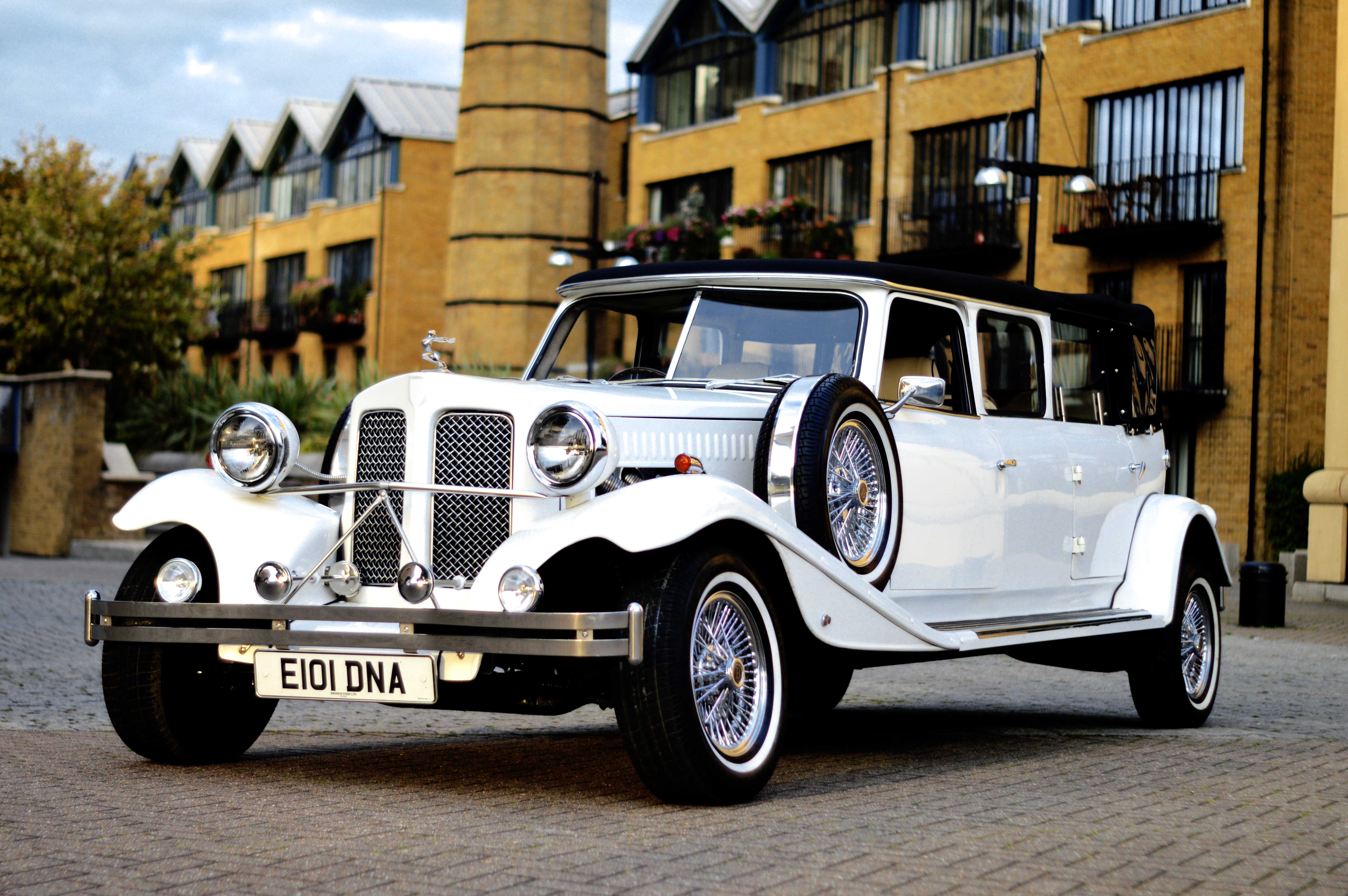 Beauford Stretch Limo (6hrs)