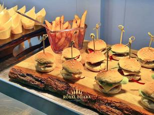 Burger & Chips Popcorn Canape.jpg