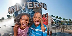 Universal-Studios_Globe-BlackFamily-boy-