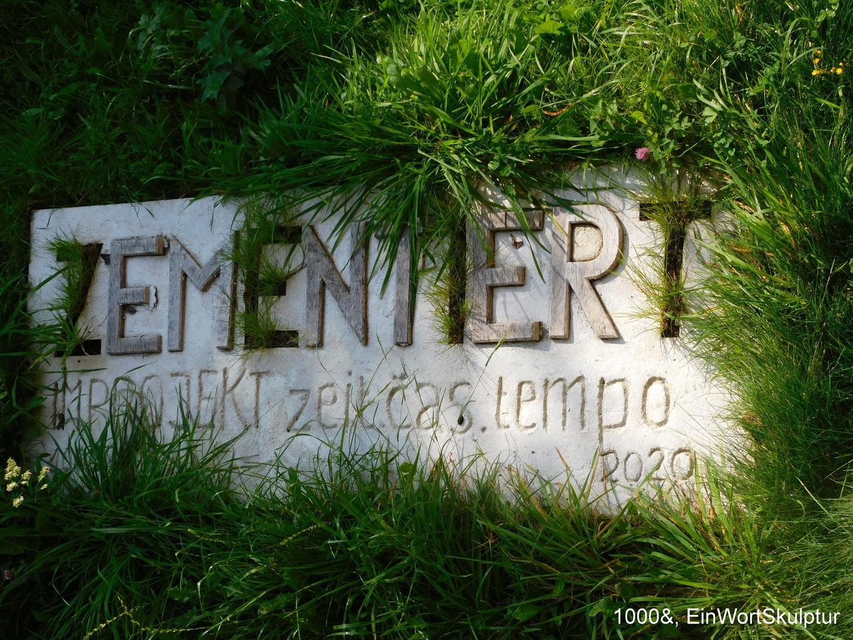 C 1000&. Zementiert EinWortSkulptur.JPG