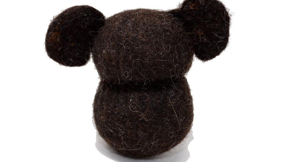 Teddy aus Bio-Wollfilz in dunkelbraun Händleransicht