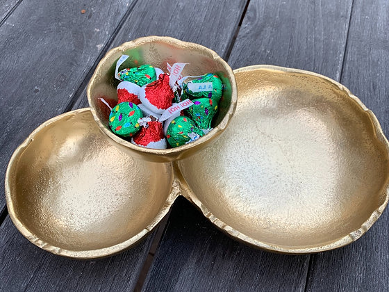 Gold Textured 3 Connected Bowls