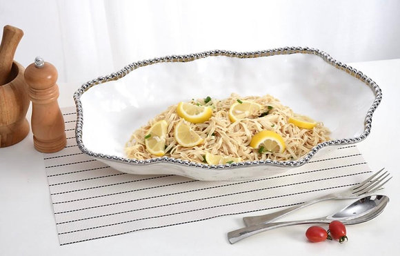Oversized serving platter/Oven and Dishwasher Safe