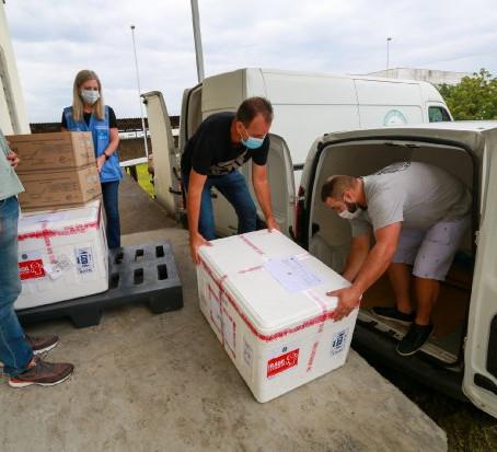 SC inicia distribuição das doses da vacina Oxford-AstraZeneca para municípios