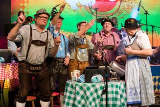 Oktoberfest registra recorde de público na segunda-feira