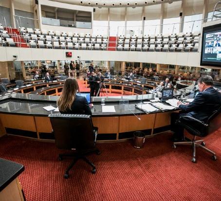 Tribunal do Impeachment absolve governador e Carlos Moisés voltará ao cargo