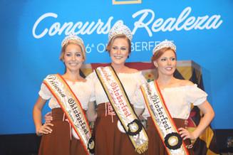Camila Kreuz é a nova Rainha da Oktoberfest Blumenau