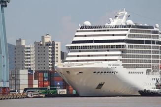 Itajaí recebe 2,5 mil turistas com chegada de cruzeiro