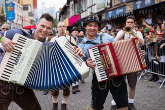 Divulgado novo grupo escolhido para participar dos desfiles da Oktoberfest