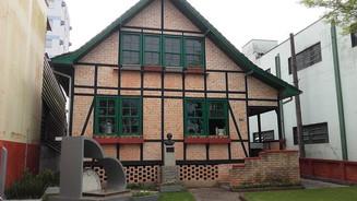 Museu histórico do Vale do Itajaí Mirim em Brusque resgata a história dos colonizadores