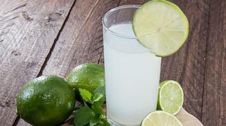 Saúde e bem viver: Suco de limão ajuda na digestão dos alimentos