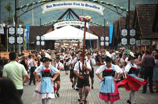 Boletim da Festa Pomerana: Festa inicia no dia 10 no Parque de Eventos de Pomerode