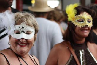 Pré-Carnaval animou foliões no sábado em Balneário Camboriú