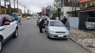 Fiscalização flagra transporte irregular de passageiros no Centro de Itajaí