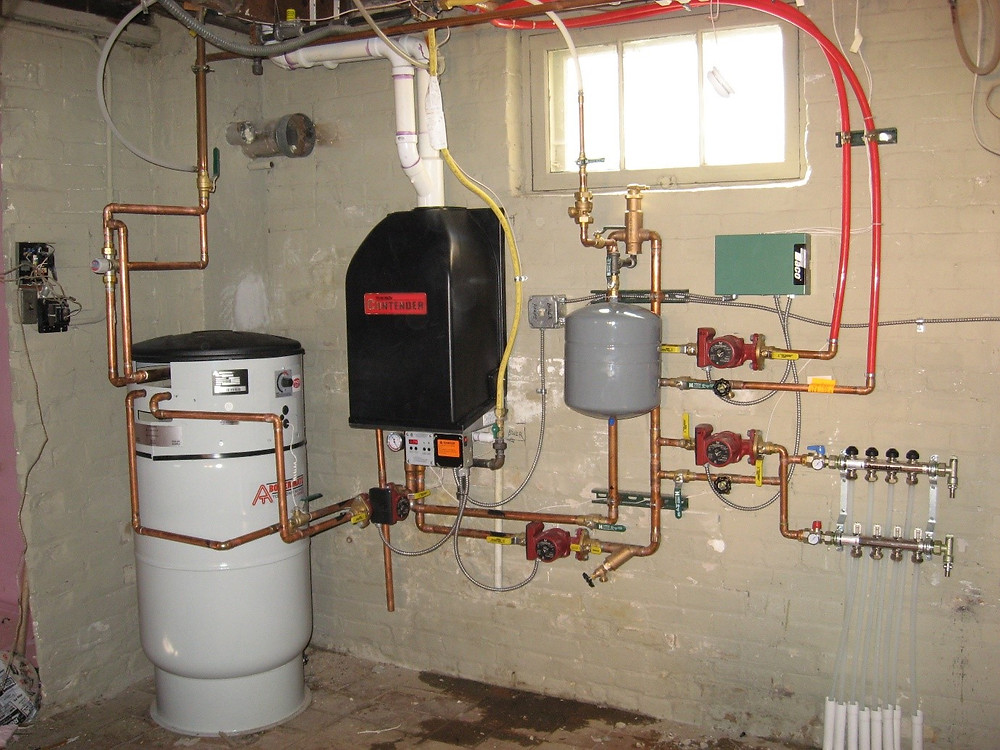 Unvented hot water cylinder with the gas boiler