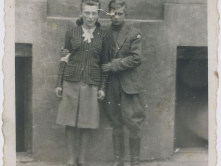 Teenager feeds and hides Jews from Nazis