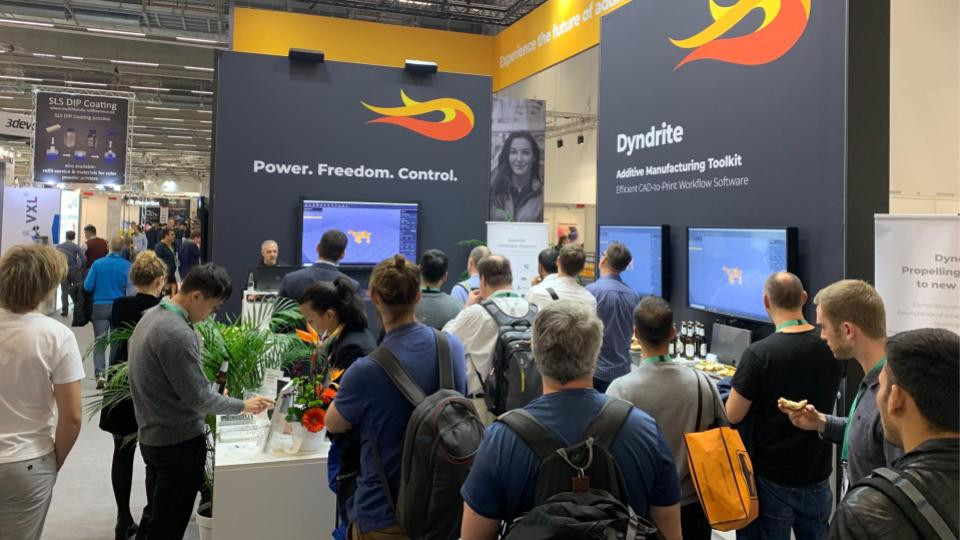 Dyndrite Head of User Experience, Salvatore Bondi, presents to a packed booth at Formnext 2019.
