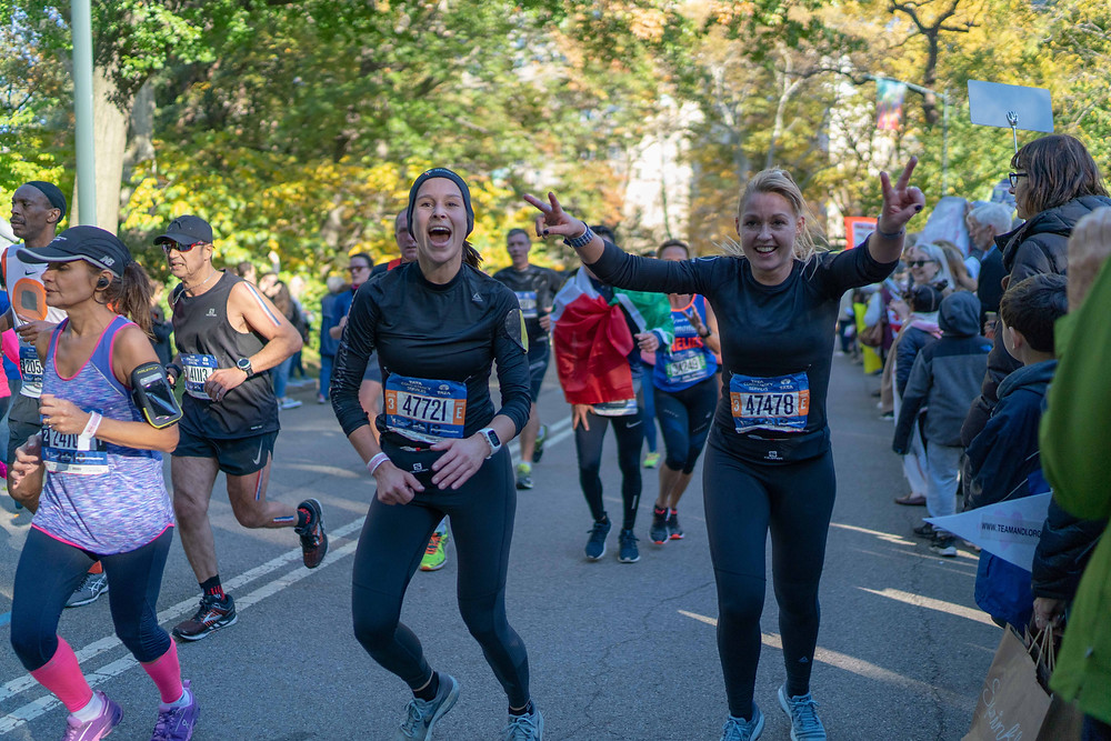 Elien Arckens & Daisy Dejonghe at km 37 in the NYC Marathon