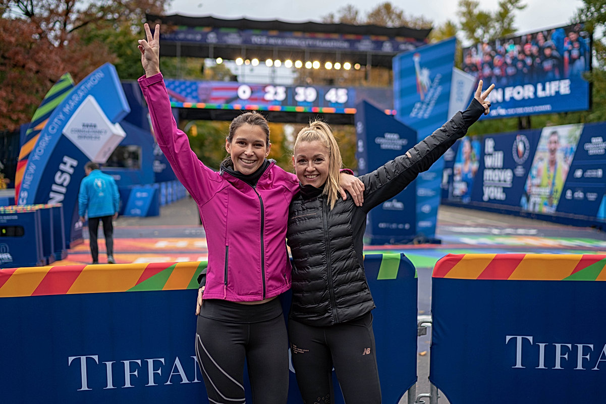 Daisy Dejonge and Elien Arckens at the NYC Marathon Finishline
