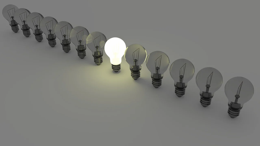 light-bulbs-1125016_1280.webp