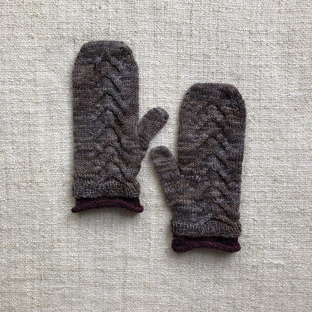 cabled mittens