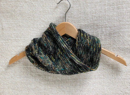 knit love // herringbone cowl