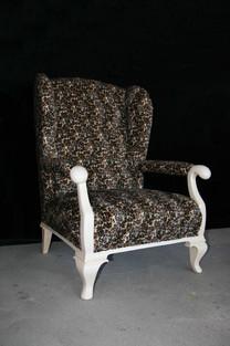Stuhl Monique 2019 hoch klein.jpg