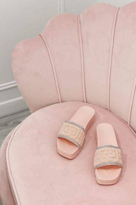 Pinkit sandaalit