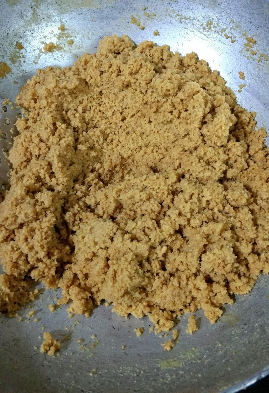 moong dal halva recipe, moong dal halwa recipe, indian recipe blog, indian dessert recipes, whiskmixstir food blog, sheetal jandial, traditional indian recipes