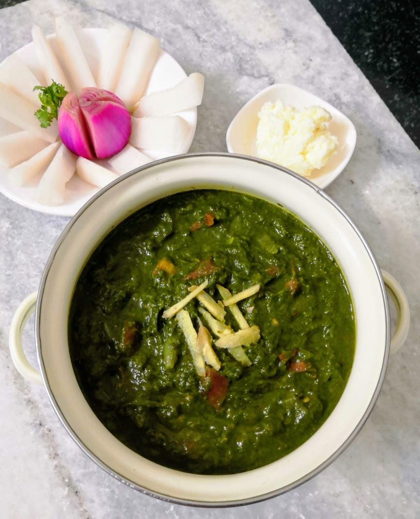 sarson ka saag recipe, makki ki roti recipe, saron da saag te makki di roti recipe, authentic traditional indian recipes, authentic punjabi north indian recipes, indian recipe blog whiskmixstir, sheetal jandial